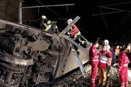 Σύγκρουση τρένων με ένα νεκρό και 22 τραυματίες στην Αυστρία