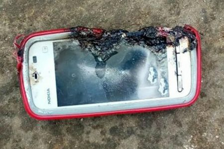 ΣΟΚ: Νεκρή 18χρονη – Τη «σκότωσε» το NOKIA κινητό της