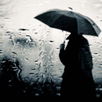 Καιρός: Τοπικές βροχές και σκόνη σήμερα, Κυριακή