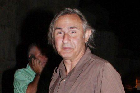 Άκης Σακελλαρίου: Δύσκολες ώρες για τον ηθοποιό – Η τελευταία ενημέρωση