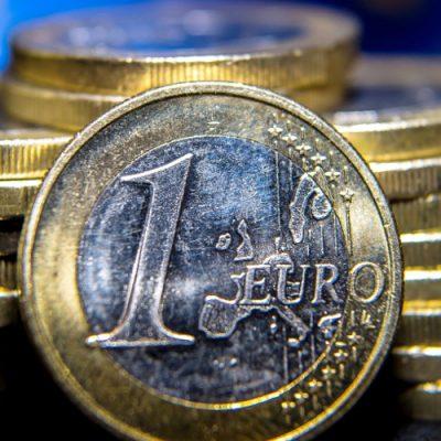 Τράπεζες: Ύποπτη κάθε μεταφορά ποσού άνω των 1.000 ευρώ