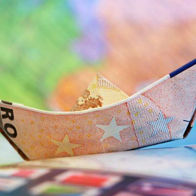 Κοινωνικό μέρισμα 2018: Μάθε ΕΔΩ πότε ξεκινούν οι αιτήσεις και πόσα χρήματα θα πάρεις (ΠΙΝΑΚΑΣ)