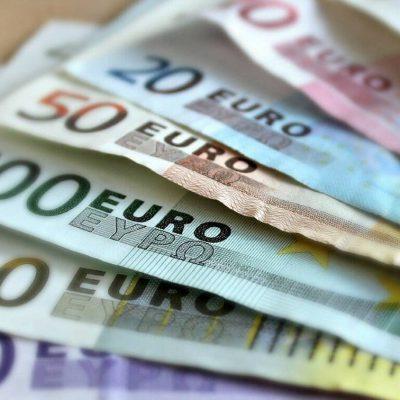 Επιδόματα ΟΠΕΚΑ: Πότε θα γίνουν οι πληρωμές