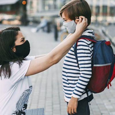 Κορονοϊός: Τι δικαιούνται οι γονείς αν νοσήσει το παιδί τους – Αυτή είναι η «ειδική άδεια»