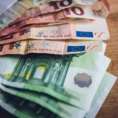 Συντάξεις: Αυξήσεις για ΟΛΟΥΣ – Ποιοι θα δουν γεμάτους τους λογαριασμούς τους
