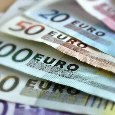 Επίδομα 800 ευρώ: Ανατροπή – Δείτε πότε θα γίνει η πληρωμή