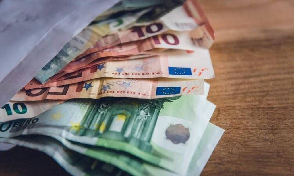Επίδομα 800 και 534 ευρώ