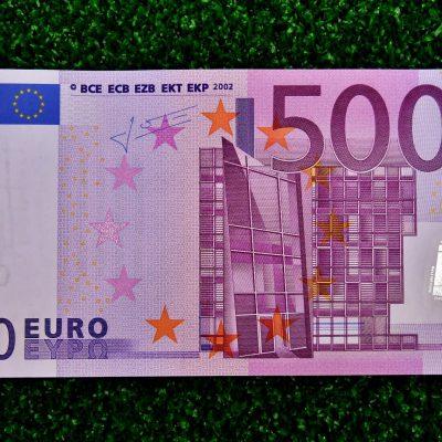Χαρτονομίσματα 500 ευρώ: Το μεγάλο μυστήριο που κανείς δεν μπορεί να εξηγήσει