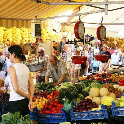 Λαϊκές αγορές: Μπλόκο! Ποια προϊόντα πρόκειται να απαγορευτούν