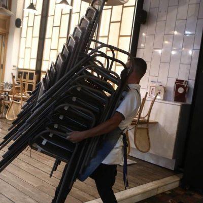 Πότε ανοίγουν μαγαζιά, καφετέριες, μπαρ και μετακίνηση εκτός νομού – Ημερομηνίες
