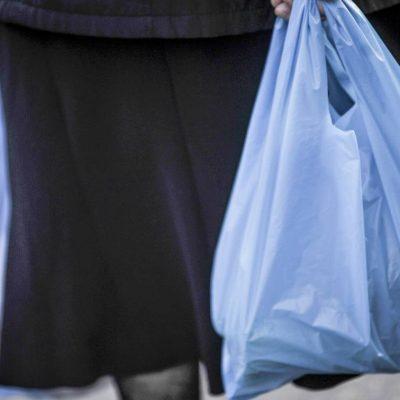 Τι αλλάζει στα σούπερ μάρκετ: Η νέα τιμή στις σακούλες και η τεράστια κοροϊδία!