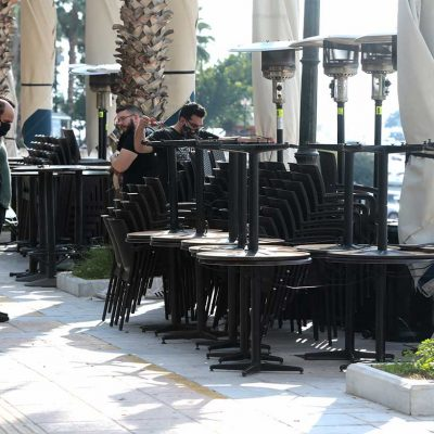 Εστίαση: Πότε και πώς θα ανοίξουν καφέ, μπαρ και εστιατόρια