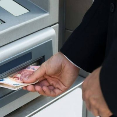 Συναγερμός: Μεγάλη απάτη στα ATM – Οι νέες οδηγίες των τραπεζών