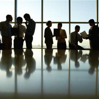 Καταρρέει πασίγνωστη εταιρεία: Απολύονται 10.000 εργαζόμενοι