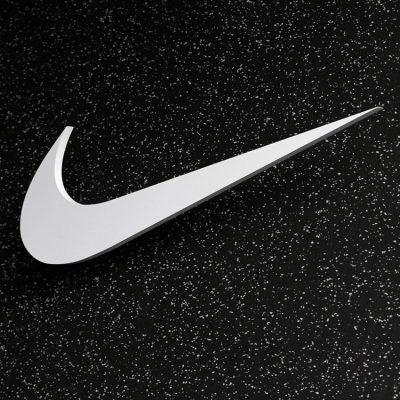 Νike: «Βυθίζεται» η εταιρεία – Πανηγυρίζουν Adidas και Under Armour
