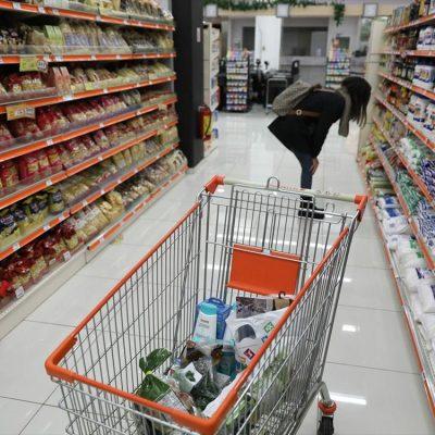 Έξαλλοι οι πελάτες των σούπερ μάρκετ: Δείτε τι αντίκρισαν στα ράφια