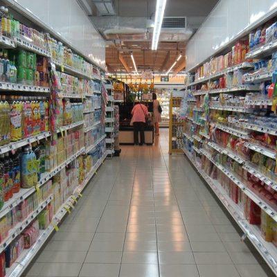 Ποια πανδημία; Σαρώνουν τα… πάντα τα σούπερ μάρκετ