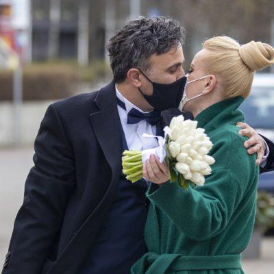 Τι θα γίνει με γάμους και βαφτίσεις Μάιο και Ιούνιο: Πόσα άτομα θα επιτρέπονται
