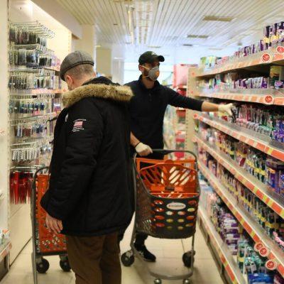 Τινάζουν την… μπάνκα τα σούπερ μάρκετ: Δείτε πόσα θα βγάλουν φέτος