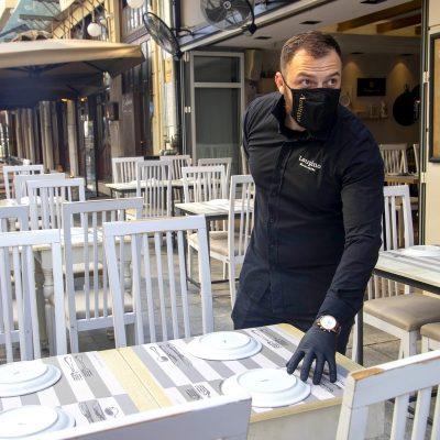 Το ανακοίνωσε ο Μητσοτάκης: Τότε ανοίγουν καφέ, μπαρ, εστιατόρια
