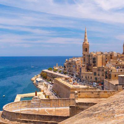 Aυτή η χώρα δίνει 200 ευρώ σε κάθε τουρίστα που πάει διακοπές