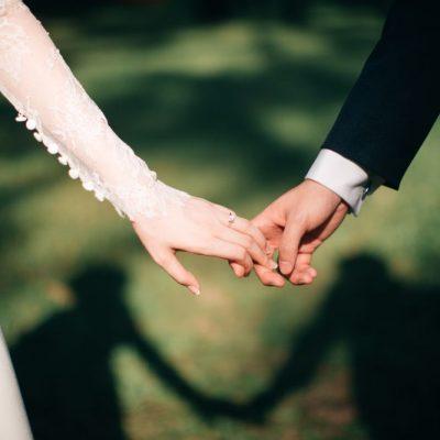 Γάμοι 2021: Δυσάρεστα νέα για χιλιάδες ζευγάρια – Τι αλλάζει με το όριο ατόμων και το χορό