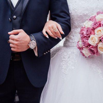 Γάμοι 2021: Πότε ανοίγουν τα κτήματα – Ποιο θα είναι το όριο των ατόμων