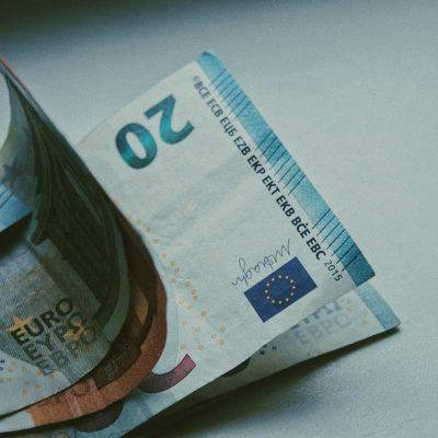Πληρωμές e-EΦΚΑ και ΟΑΕΔ: Ποιοι πάνε ταμείο