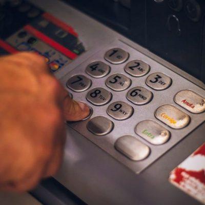 Θρίλερ με τα ΑΤΜ των τραπεζών: Δείτε τι έχει συμβεί