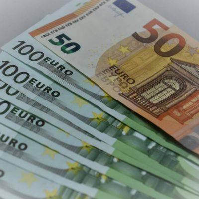 ΣΟΚ: Ξεχάστε την επιστροφή φόρου – Μας την παίρνει από την τσέπη το κράτος!
