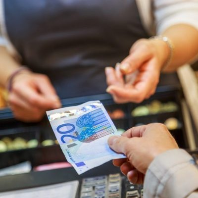 Πότε καταργούνται χαρτονομίσματα και κέρματα – Αυτή είναι η πιθανότερη ημερομηνία