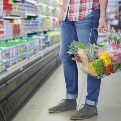 Εκτός ελέγχου: Δείτε πόσο κοστίζει πλέον η σακούλα στα σούπερ μάρκετ