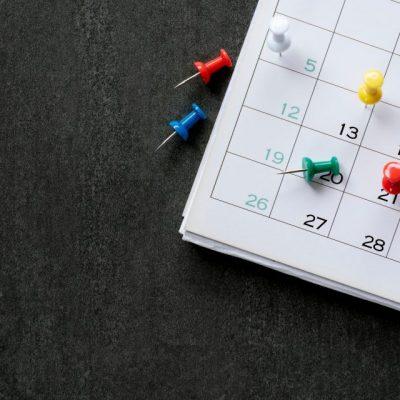 Αργίες: Ξεχάστε όσα ξέρατε! Προστίθενται υποχρεωτικές – Πότε πέφτουν – Τέλος οι Κυριακές
