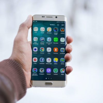Προσοχή! Διέγραψε αμέσως αυτές τις εφαρμογές από το κινητό σου – Σε παρακολουθούν!
