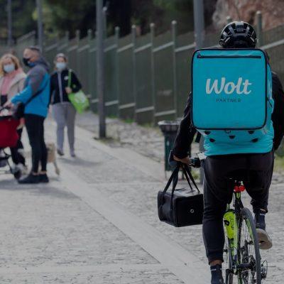 Wolt: «Χαριστική βολή» στο e-food! Επεκτείνεται και ελέγχει όλη την Αθήνα